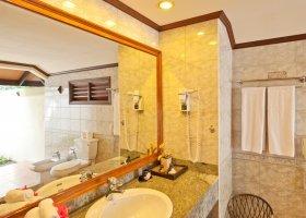 maledivy-hotel-royal-island-resort-spa-071.jpg