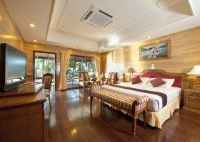 maledivy-hotel-royal-island-resort-spa-080.jpg