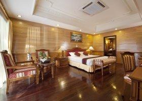 maledivy-hotel-royal-island-resort-spa-081.jpg